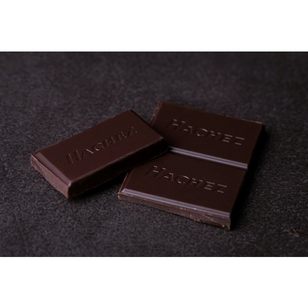 Hachez São Tomé 73% Dark Chocolate Bar open piece