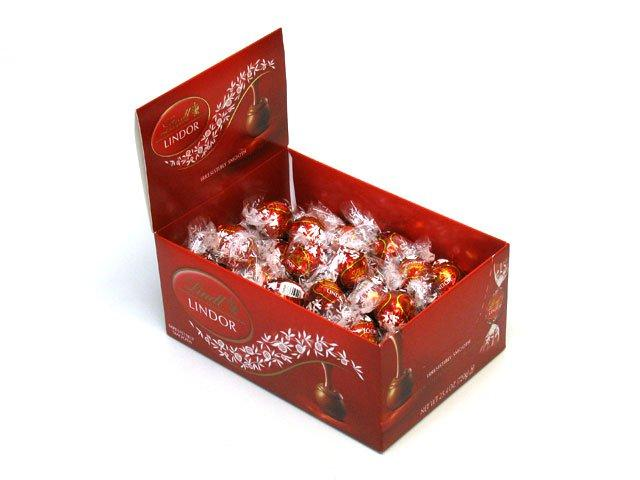 Lindt LINDOR Milk Chocolate Truffle Box (60ct)