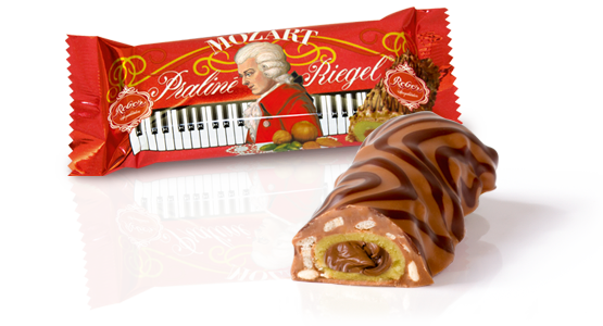 Reber Mozart Milk Chocolate Piano Bar Open