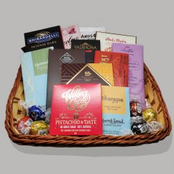 WWC Deluxe Gift Basket-min